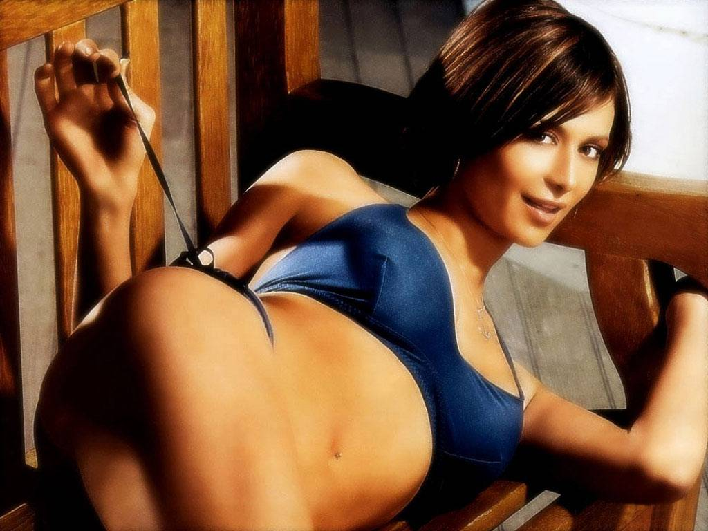 nude pictures celebrity reid Tara