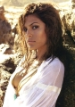 Beautiful photo of Eva Mendes posing in the sun