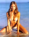 Heidi Klum posing in hot sexy bikini