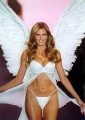 Heidi Klum looks like an Angel