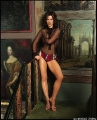 Kate Beckinsale posing  in the art gallery