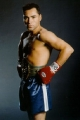 Shirtless Oscar De La Hoya looks hot