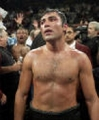 Shirtless Oscar De La Hoya looks sexy
