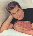 Ricky Martin looks sexy